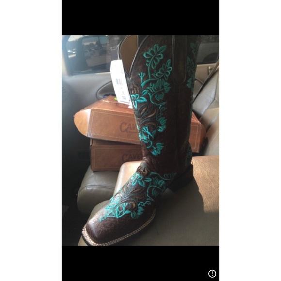 a120cee3d00 Caverns lace cowboy boots